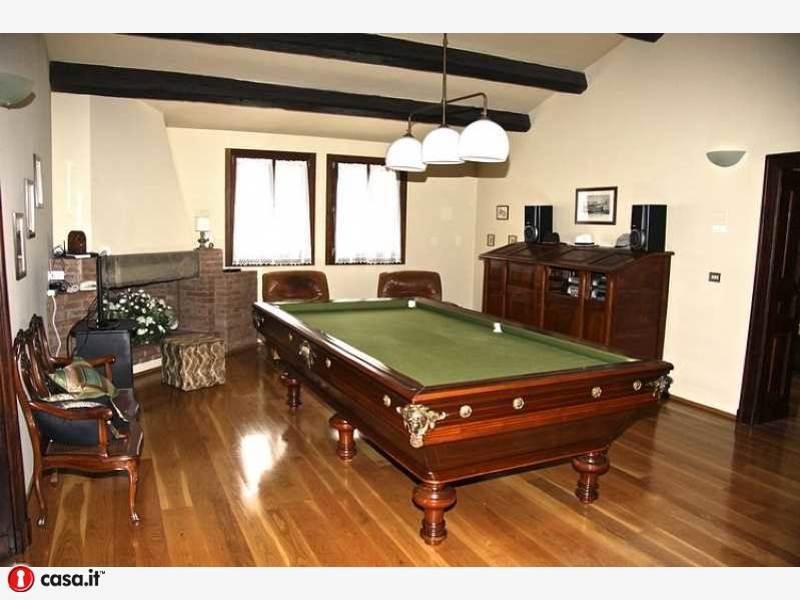 Villa in vendita, Imola